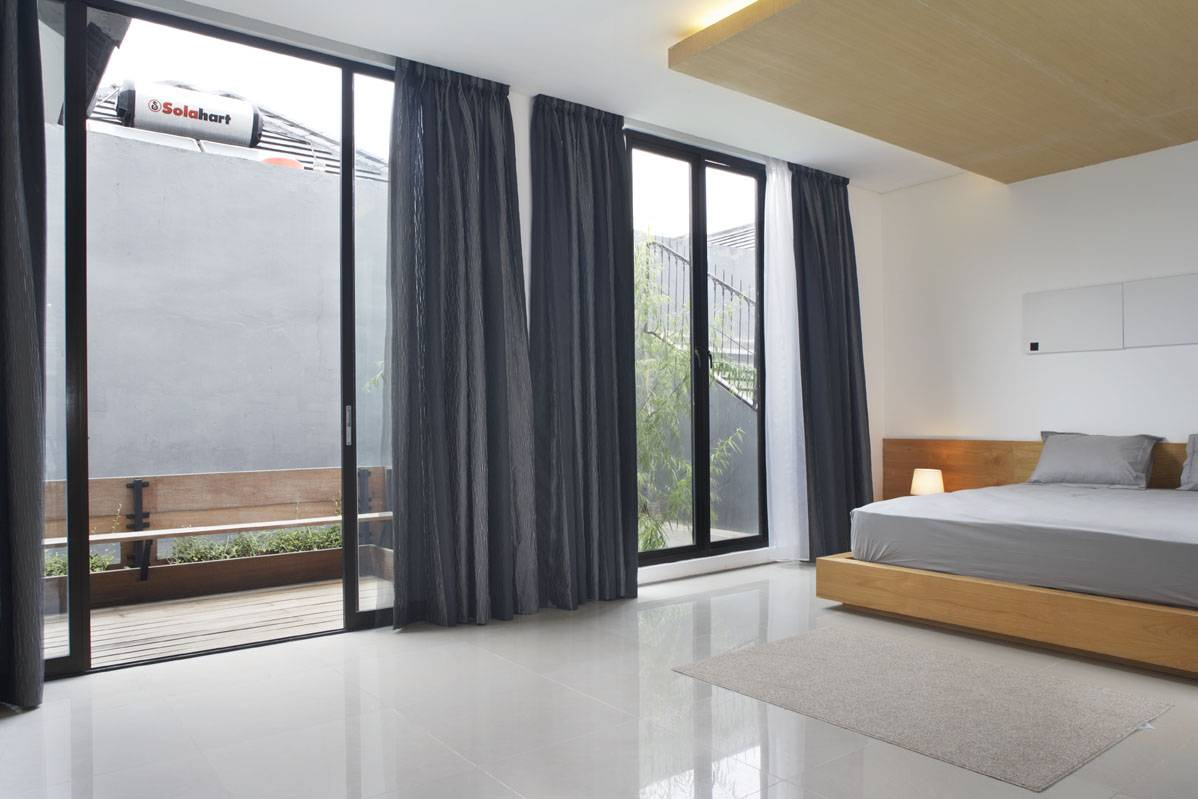 Sontang M Siregar House At Legenda Wisata Cibubur, Indonesia Cibubur, Indonesia Bedroom-2 Tropis  6067