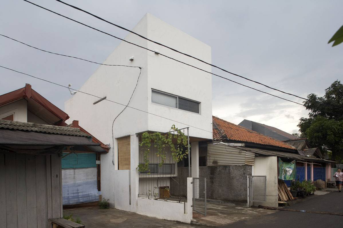 Sontang M Siregar 51 Sqm House Jakarta, Indonesia Jakarta, Indonesia Side-View Minimalis  6088