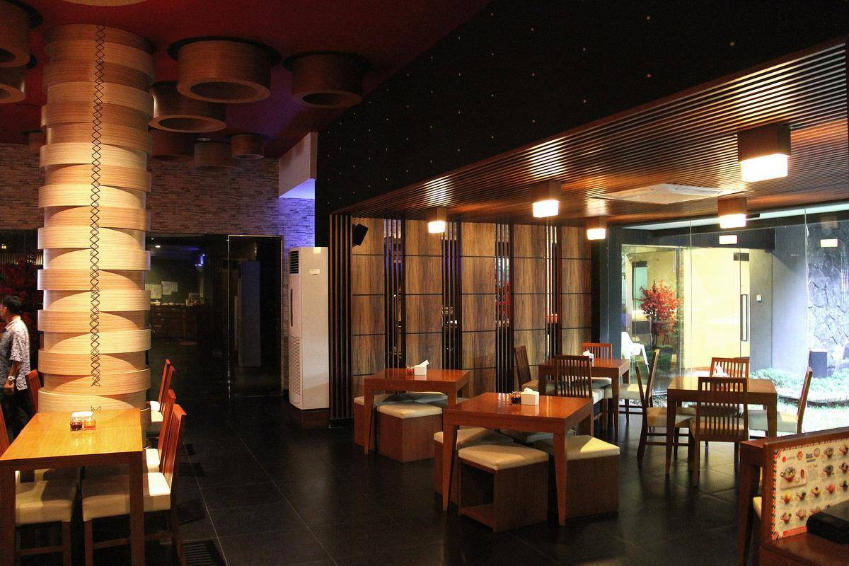 Julio Julianto Dimsum 48 Place Jakarta, Indonesia Jakarta, Indonesia Dining-Table-2 Modern  5807