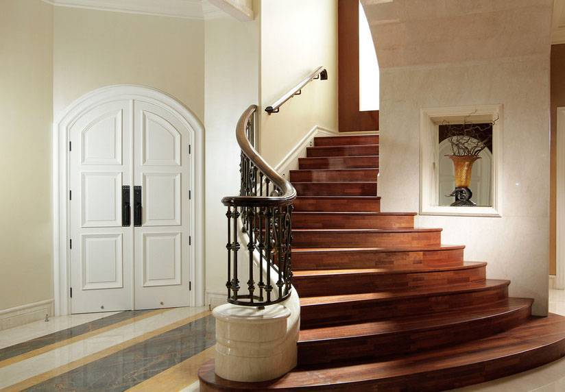 Iwan Sastrawiguna The Timeless Classic Surabaya, Indonesia Surabaya, Indonesia Staircase Kontemporer <P>Curved Staircase Is Covered With Solid Wood, Cream Marble, And Wrought Iron Railing.</p> 6630