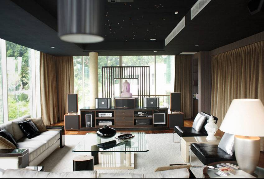 Iwan Sastrawiguna An Opulent Modern Tropical Singapore Singapore Media Room Klasik,kontemporer,tropis,modern <P>Family Room With Audio &amp; Video Equipments And Speakers. An Automatic Rolling Screen Is Hidden On The Ceiling Above Buddha Bust. Ceiling Is Well Insulated For Sound Proof.</p> 6649