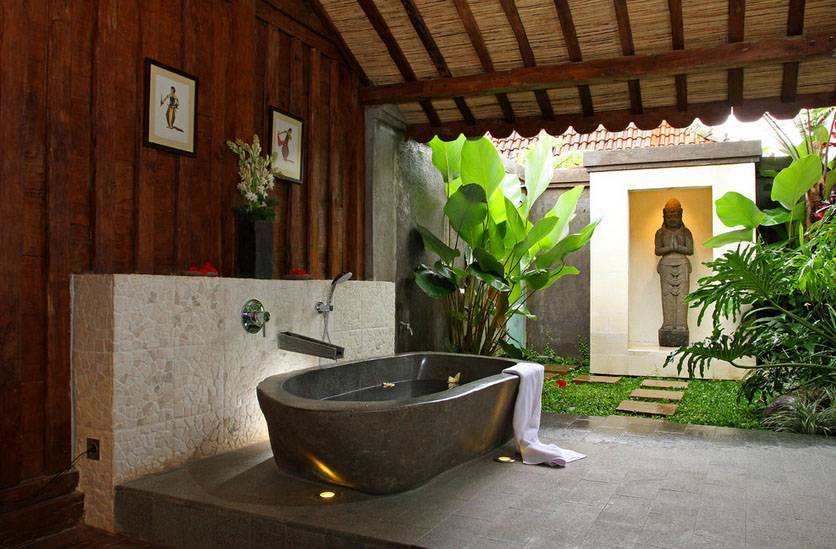 Iwan Sastrawiguna Semi Outdoor Bathrooms Indonesia Indonesia Bathroom-With-Its-Own-Veranda Kontemporer,klasik <P>An Uplighted River Rock Bathtub Is Placed In The Back Of Javanese Reclaimed Wooden House. To Indulge Our Bathing Experience, This Semi Outdoor Bathroom Is Given Its Own Veranda With Its Own Luscious Vegetation And Niche With Stone Figurine.</p> 6663