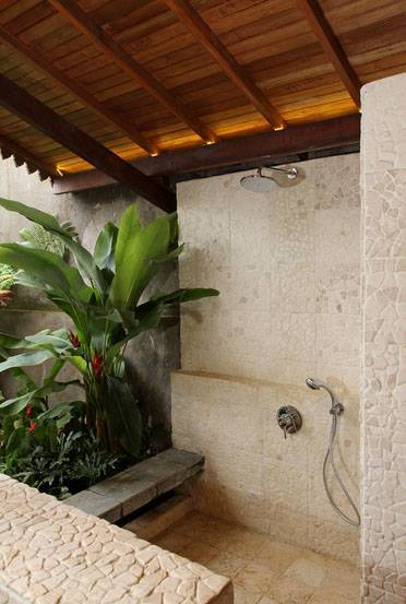 Iwan Sastrawiguna Semi Outdoor Bathrooms Indonesia Indonesia Semi-Outdoor-Shower-Room Kontemporer,klasik  6665
