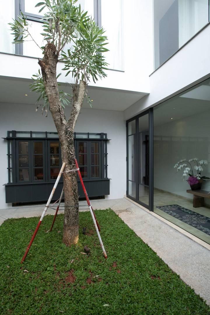 Adria Yurike Architects Bangka House Bangka, Mampang Prapatan, South Jakarta City, Jakarta, Indonesia Jakarta, Indonesia Backyard   6923
