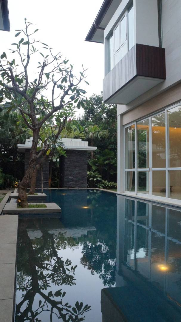 Adria Yurike Architects Taman Cilandak House South Jakarta, Indonesia South Jakarta, Indonesia Swimming Area   6936