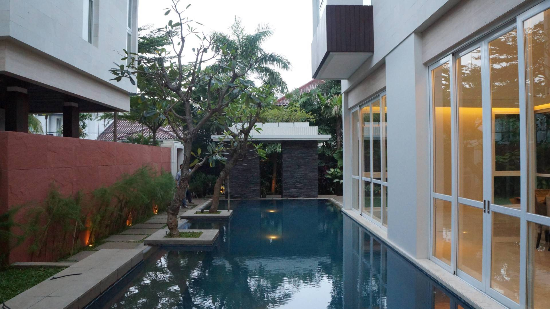 Adria Yurike Architects Taman Cilandak House South Jakarta, Indonesia South Jakarta, Indonesia Swimming Area   6937