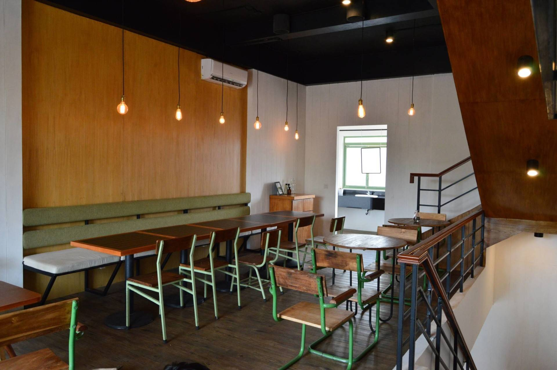 Pt Ergonomi Cipta Karya Voyage Coffee & Dessert Gading Serpong, Tangerang Gading Serpong, Tangerang Seating Area Minimalis  6982