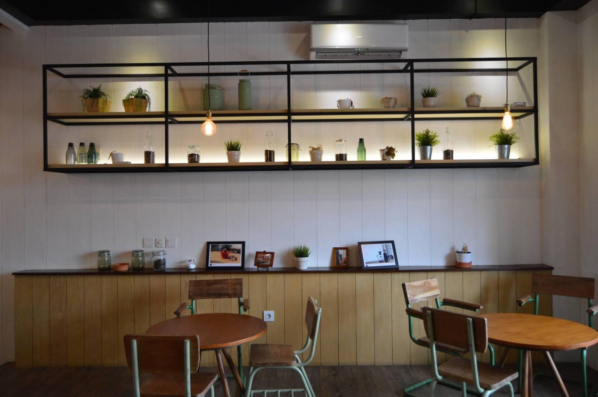 Pt Ergonomi Cipta Karya Voyage Coffee & Dessert Gading Serpong, Tangerang Gading Serpong, Tangerang Seating Area Minimalis  6985
