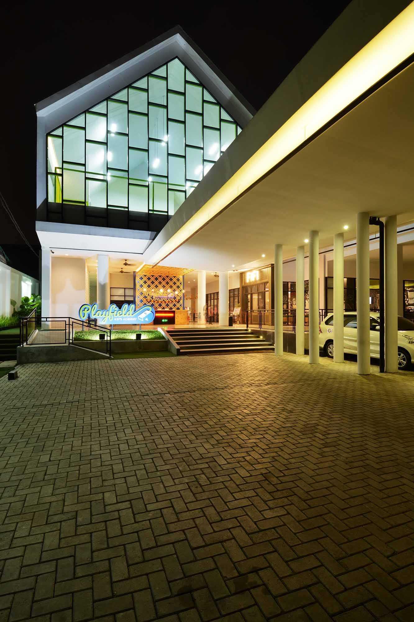 Studio Denny Setiawan Playfield Kids Academy West Jakarta West Jakarta Parking Area   23517