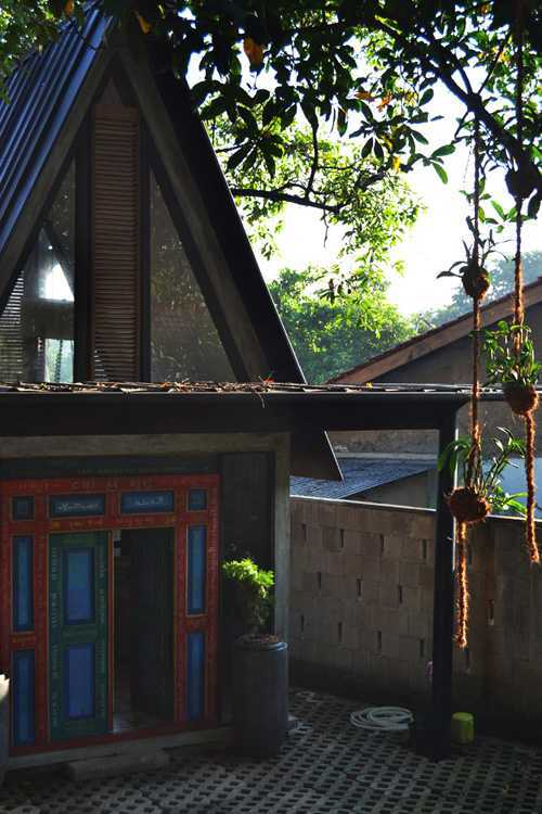 Wegig Pangauban - Wismaparamasiddha Omah Sastro Jakarta Jakarta Front View Tradisional  12666