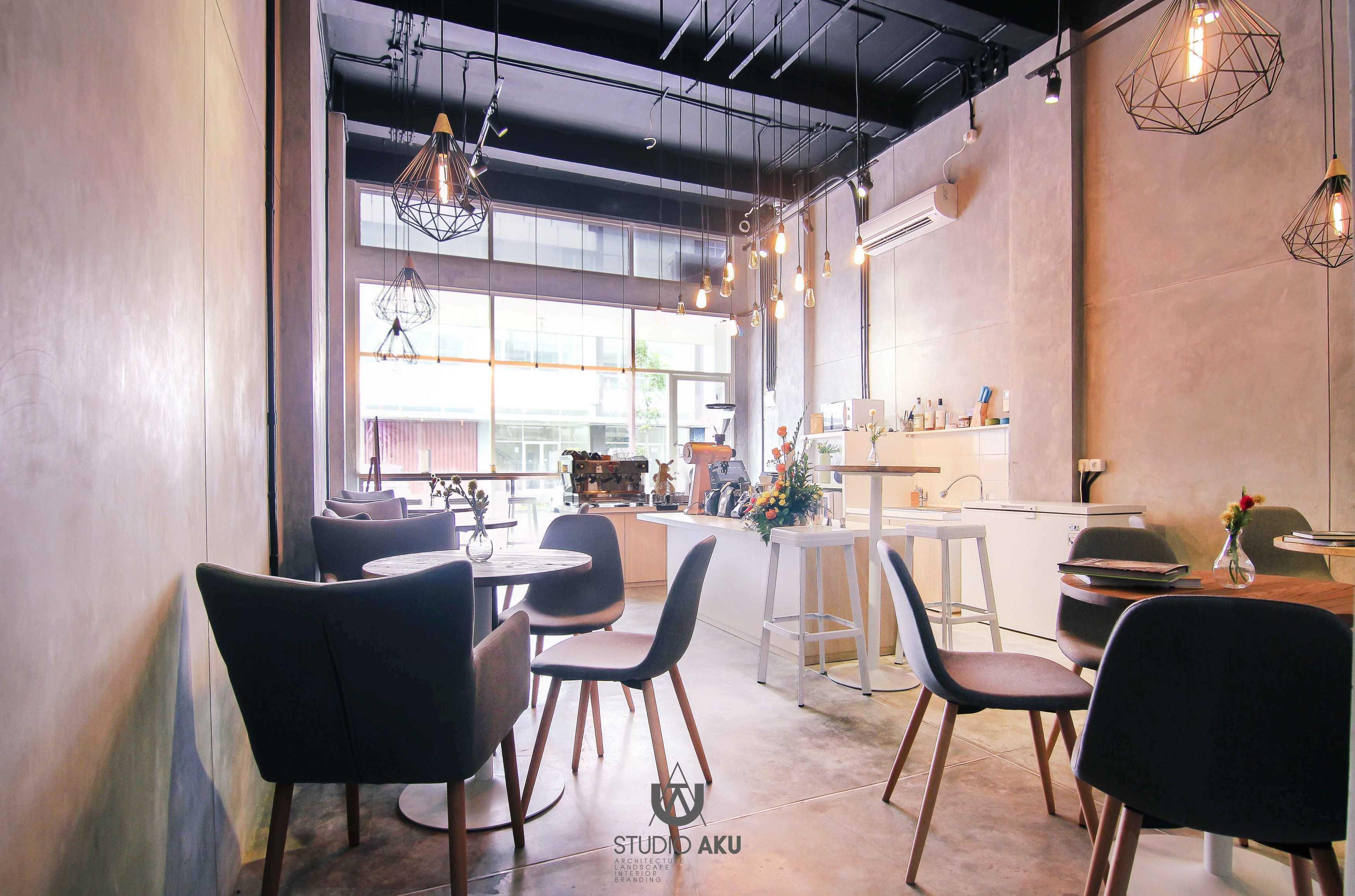 Studio Aku Spotten Alam Sutera, Ruko Prominence Alam Sutera, Ruko Prominence Dining Area Minimalis,modern,kontemporer,skandinavia  9319