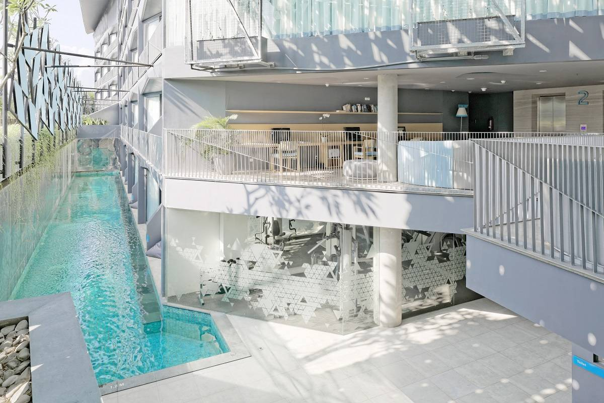 Antony Liu + Ferry Ridwan / Studio Tonton Ize Hotel Seminyak, Bali Seminyak, Bali Swimming Pool View Modern  7919