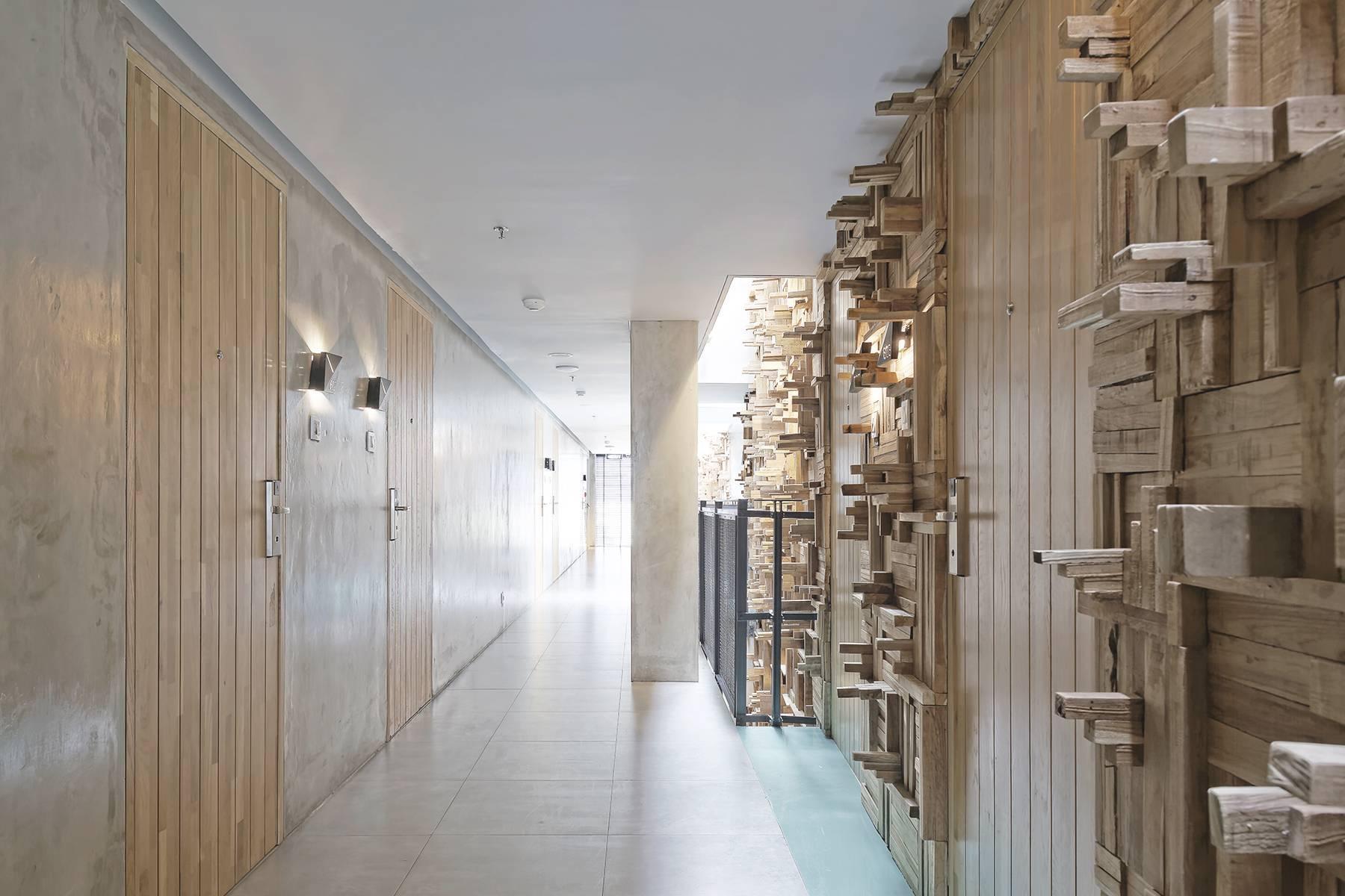 Antony Liu + Ferry Ridwan / Studio Tonton Kosenda Hotel Jl. Wahid Hasyim, Jakarta Jl. Wahid Hasyim, Jakarta Corridor Room Modern  7941