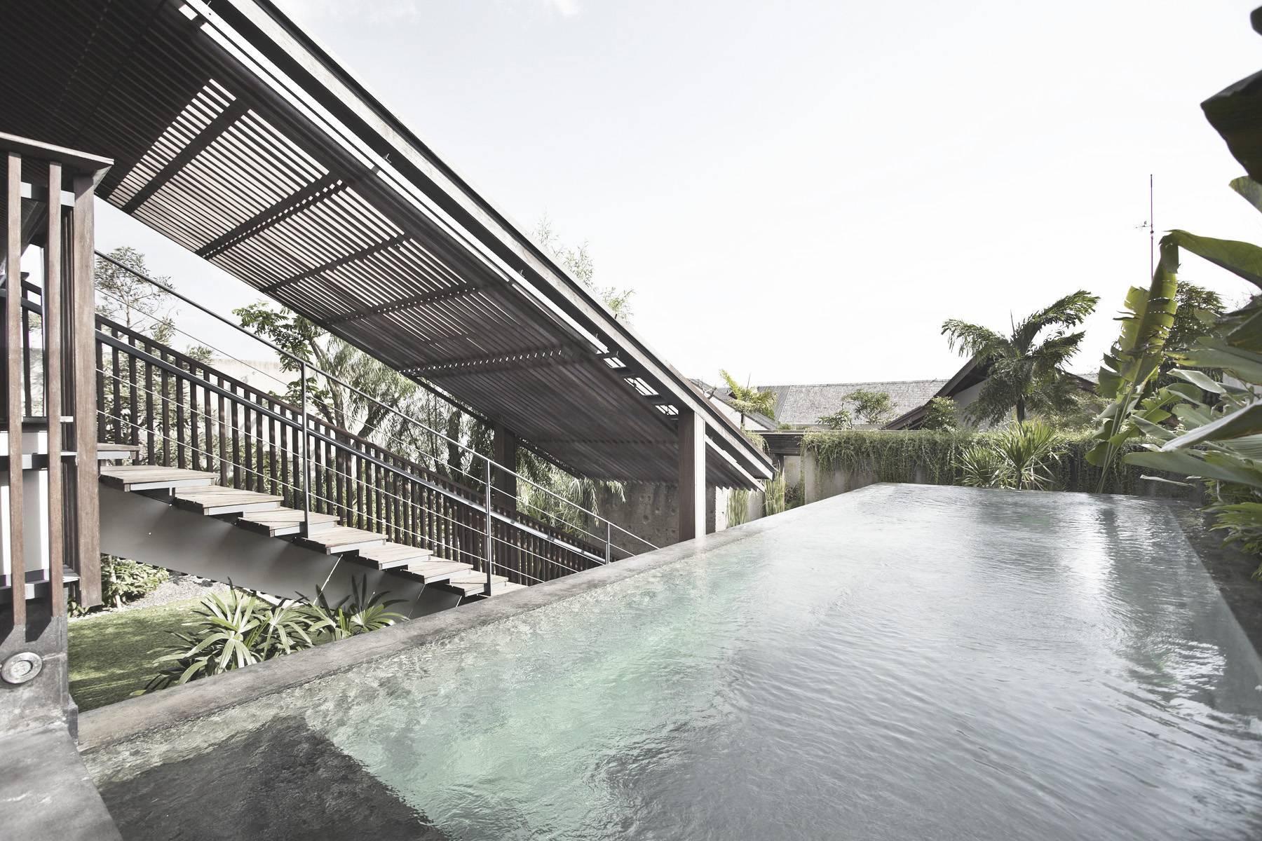 Antony Liu + Ferry Ridwan / Studio Tonton Ametis Villa Canggu, Bali Canggu, Bali Swimming Pool Modern  7983