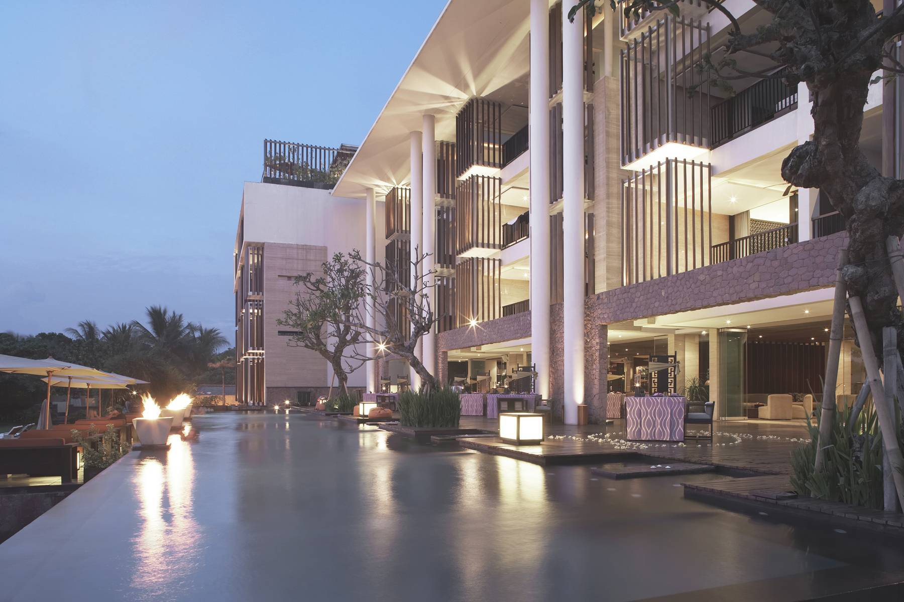 Antony Liu + Ferry Ridwan / Studio Tonton Anantara Seminyak Bali Resort Seminyak, Bali, Indonesia Seminyak, Bali, Indonesia Swimming Pool View Modern  8021