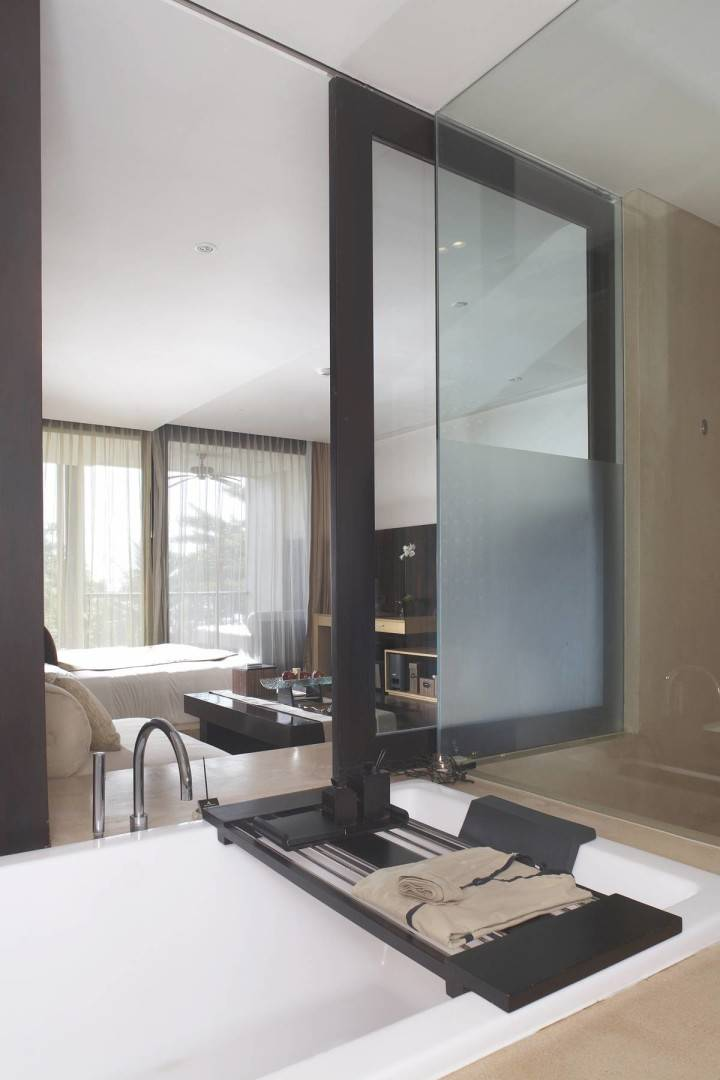 Antony Liu + Ferry Ridwan / Studio Tonton Anantara Seminyak Bali Resort Seminyak, Bali, Indonesia Seminyak, Bali, Indonesia Bathroom Resort Modern  8031