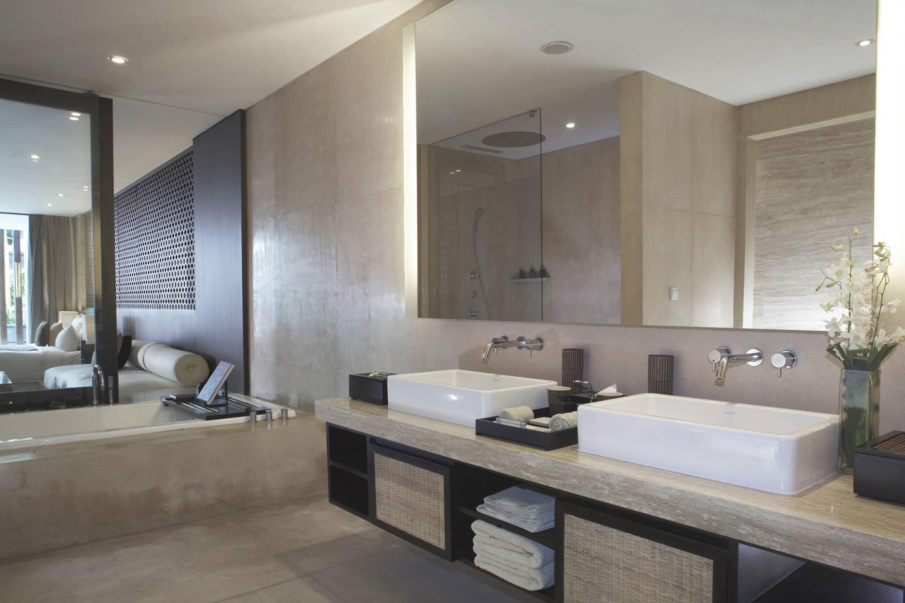 Antony Liu + Ferry Ridwan / Studio Tonton Anantara Seminyak Bali Resort Seminyak, Bali, Indonesia Seminyak, Bali, Indonesia Bathroom Resort Modern  8033