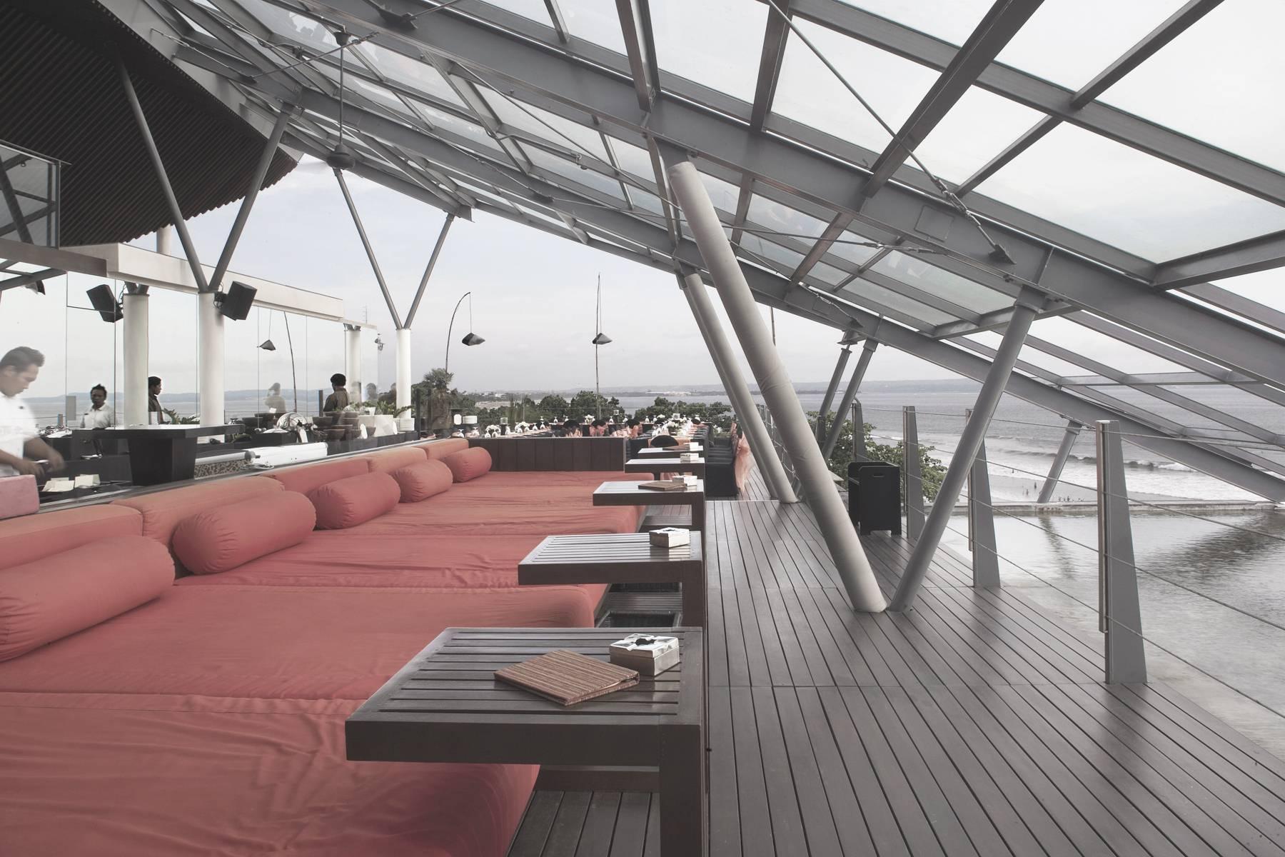 Antony Liu + Ferry Ridwan / Studio Tonton Anantara Seminyak Bali Resort Seminyak, Bali, Indonesia Seminyak, Bali, Indonesia Lounge At Rooftop Modern  8041