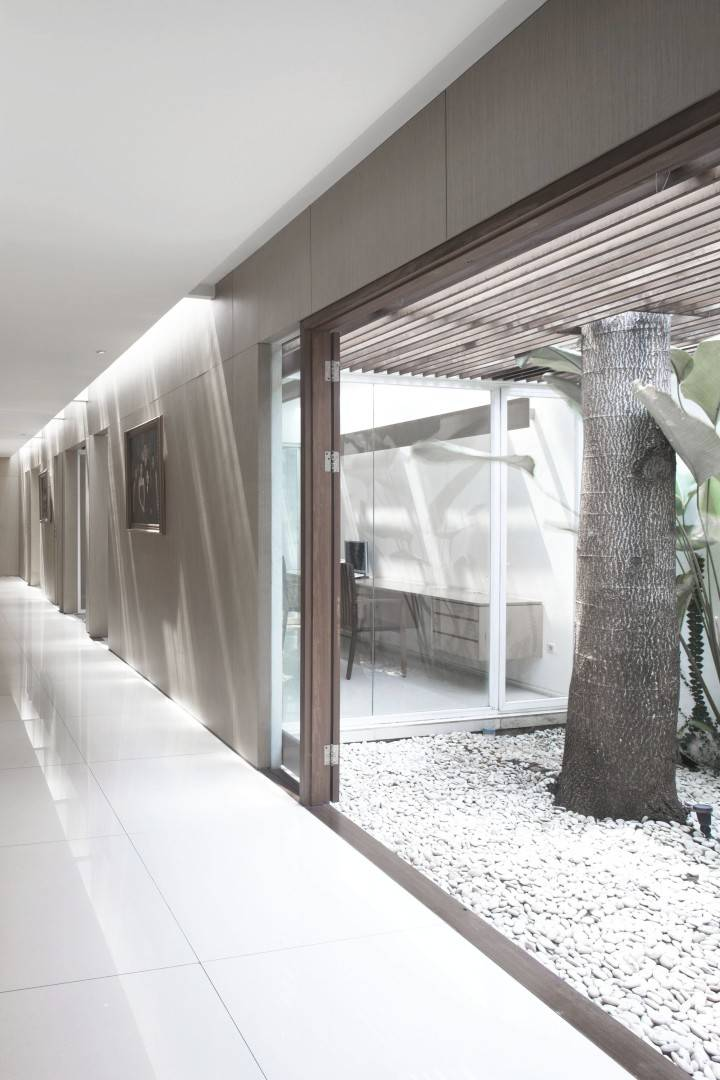 Antony Liu + Ferry Ridwan / Studio Tonton Ew House Serpong, Tangerang Serpong, Tangerang Ew House - Garden Modern  8102