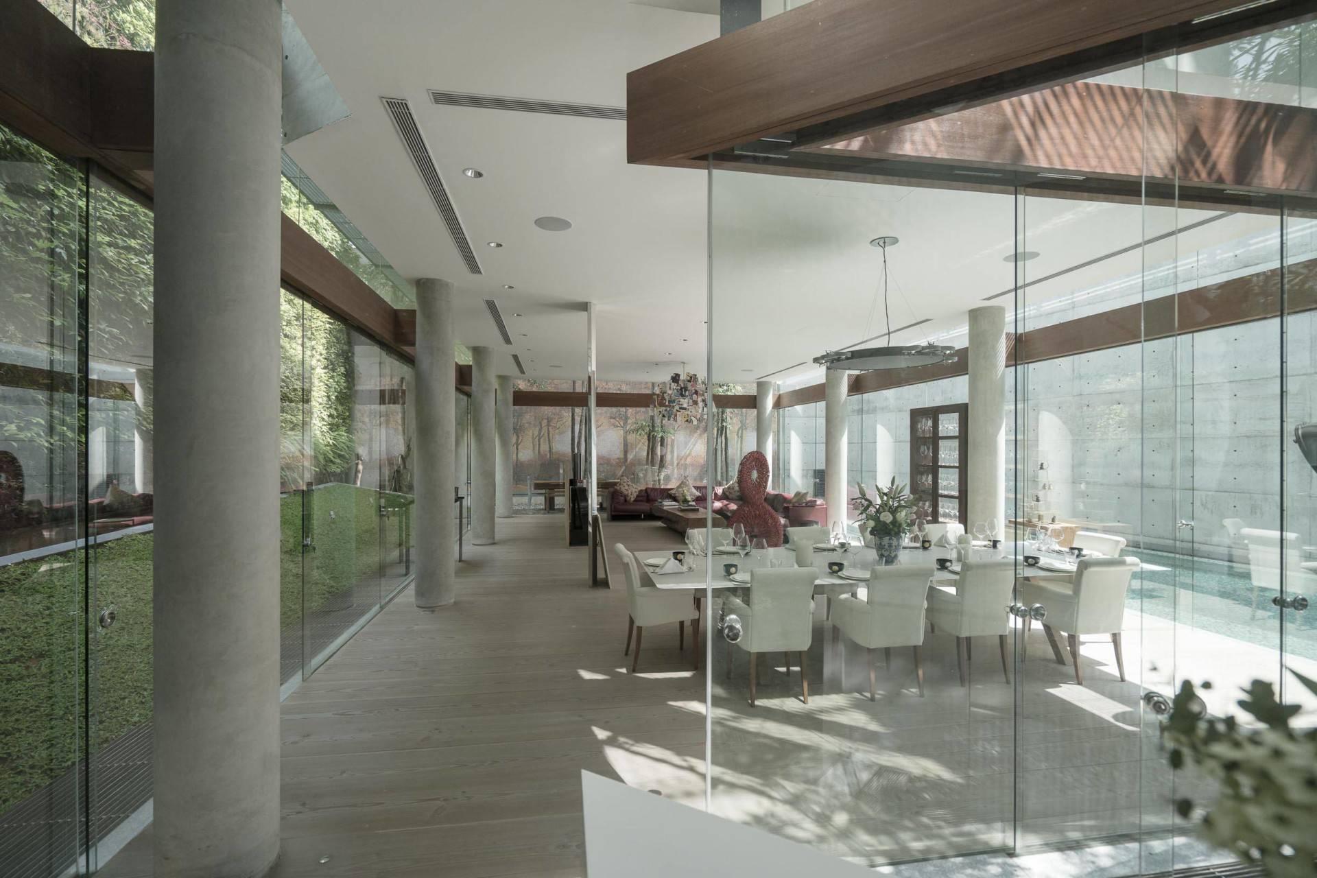 Antony Liu + Ferry Ridwan / Studio Tonton Js House Tulodong, Jakarta, Indonesia Tulodong, Jakarta, Indonesia Dining Room Modern  8114