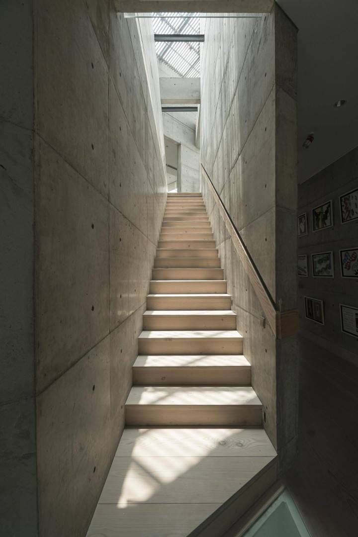 Antony Liu + Ferry Ridwan / Studio Tonton Js House Tulodong, Jakarta, Indonesia Tulodong, Jakarta, Indonesia Js House - Stairs Industrial  8119