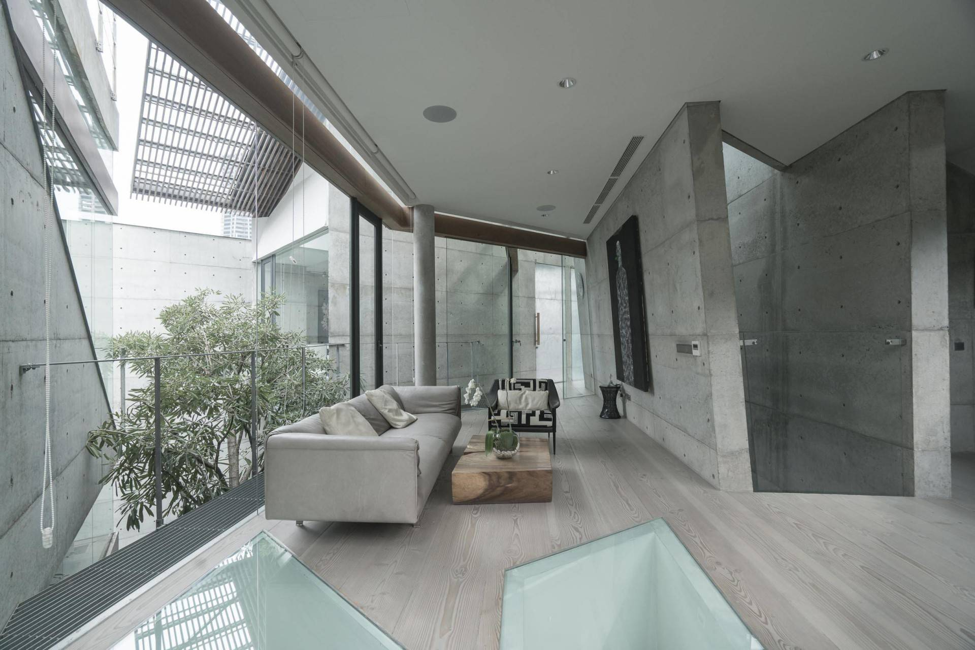Antony Liu + Ferry Ridwan / Studio Tonton Js House Tulodong, Jakarta, Indonesia Tulodong, Jakarta, Indonesia Js House - Living Room Industrial  8127