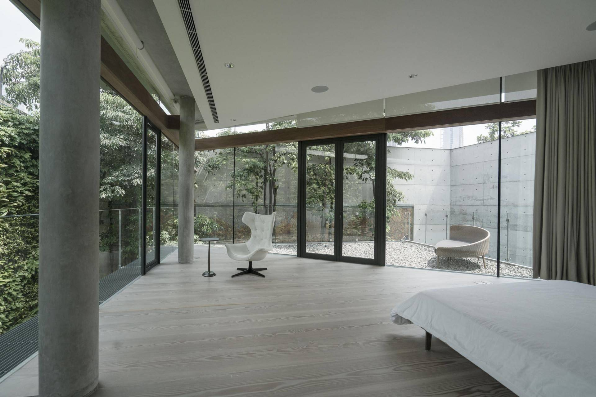 Antony Liu + Ferry Ridwan / Studio Tonton Js House Tulodong, Jakarta, Indonesia Tulodong, Jakarta, Indonesia Bedroom Modern  8132