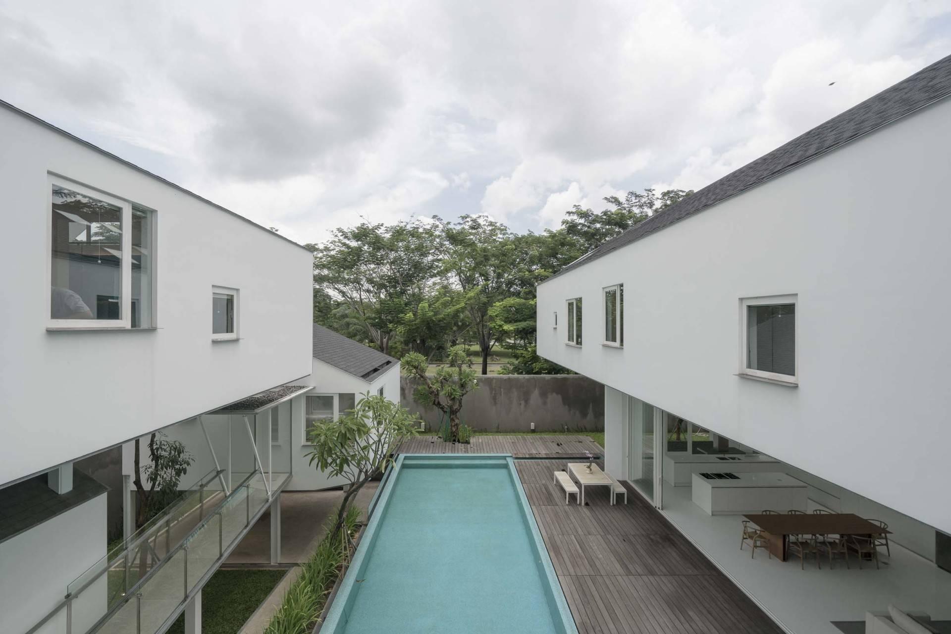 Antony Liu + Ferry Ridwan / Studio Tonton Is House Tangerang Tangerang Exterior Details Modern  8187