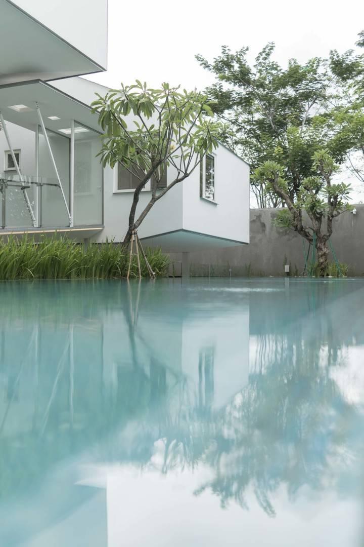 Antony Liu + Ferry Ridwan / Studio Tonton Is House Tangerang Tangerang Swimming Pool View Modern  8194