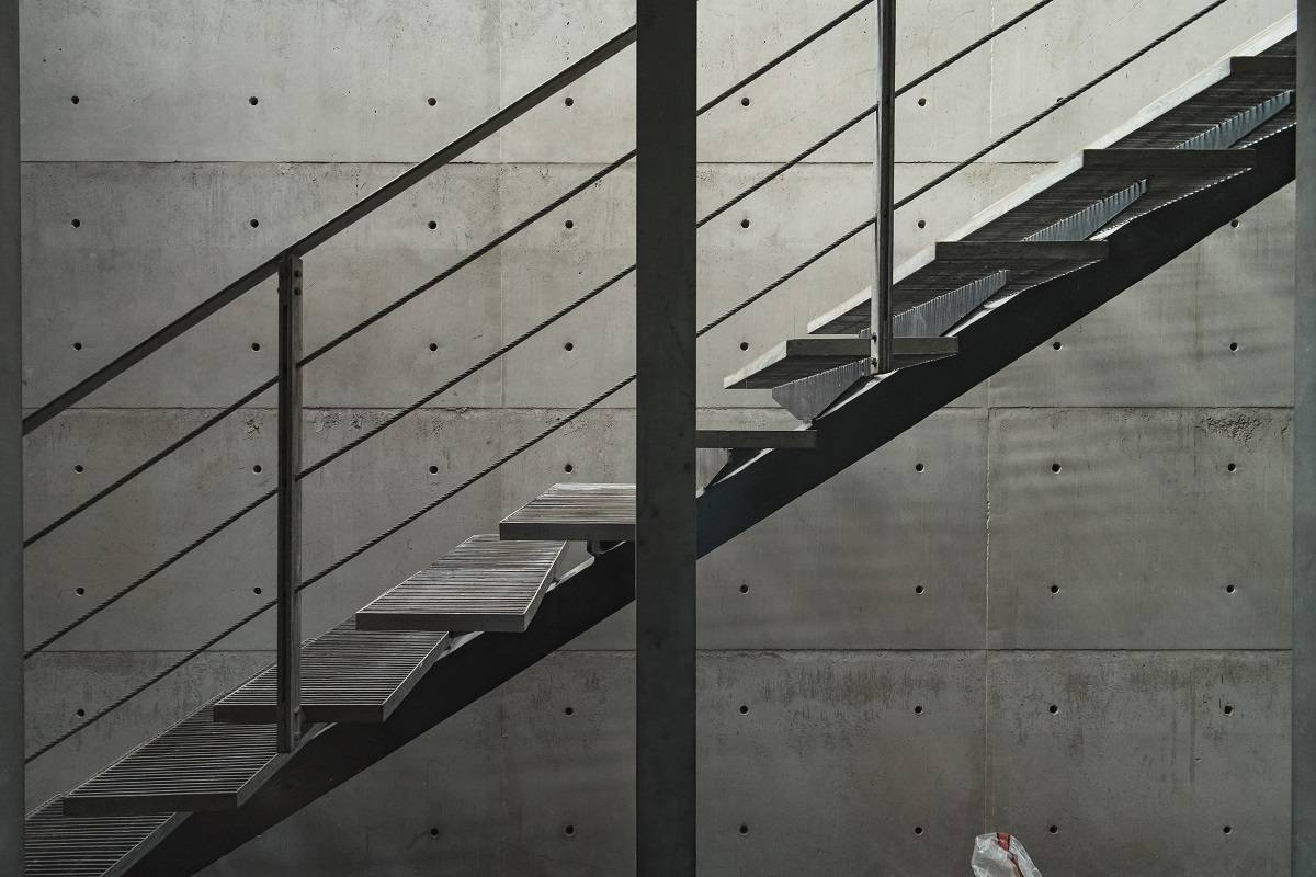 Antony Liu + Ferry Ridwan / Studio Tonton L+L House Tanah Teduh, Jakarta, Indonesia Tanah Teduh, Jakarta, Indonesia Stairs Modern  8205
