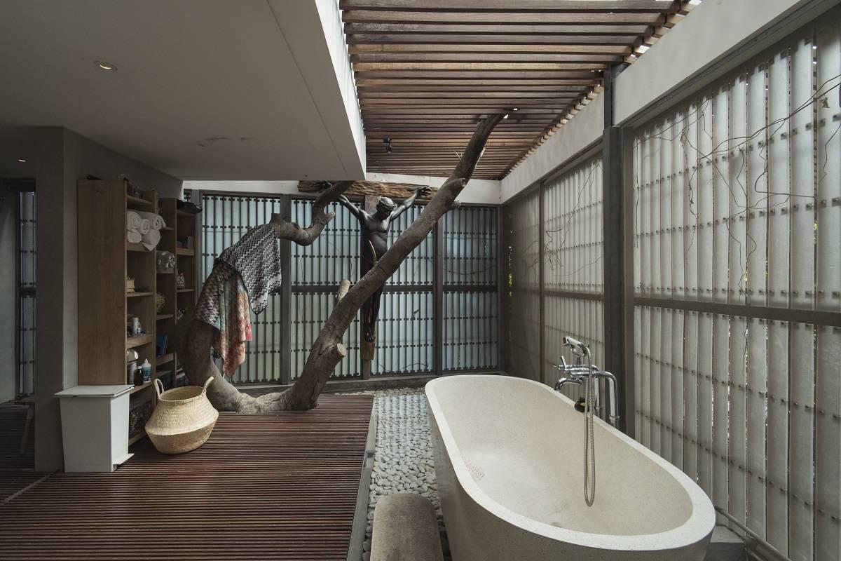 Antony Liu + Ferry Ridwan / Studio Tonton L+L House Tanah Teduh, Jakarta, Indonesia Tanah Teduh, Jakarta, Indonesia Bathroom Modern  8212