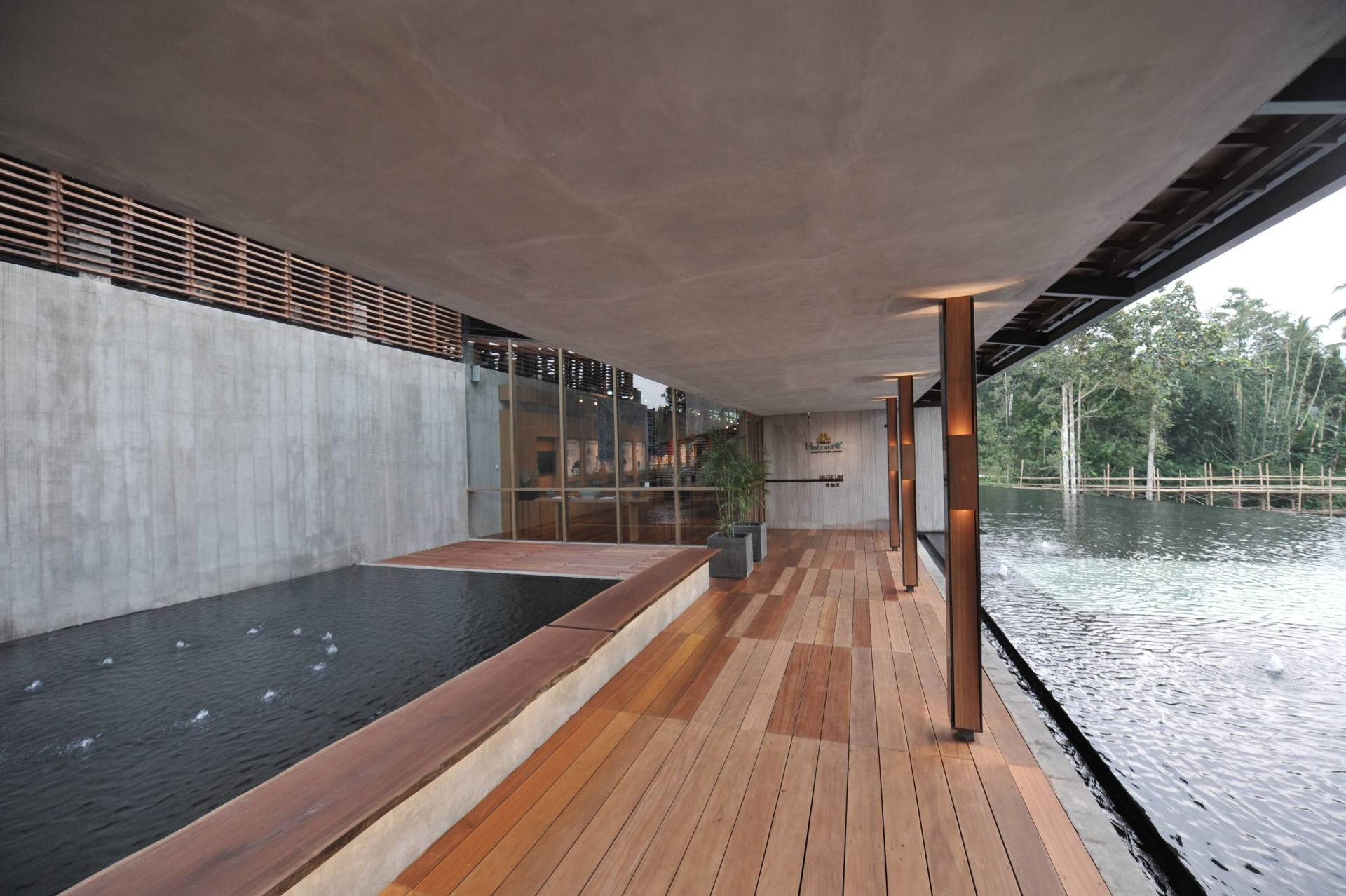 Andramatin Sg Bali, Indonesia Bali, Indonesia Pond Tropis  8249