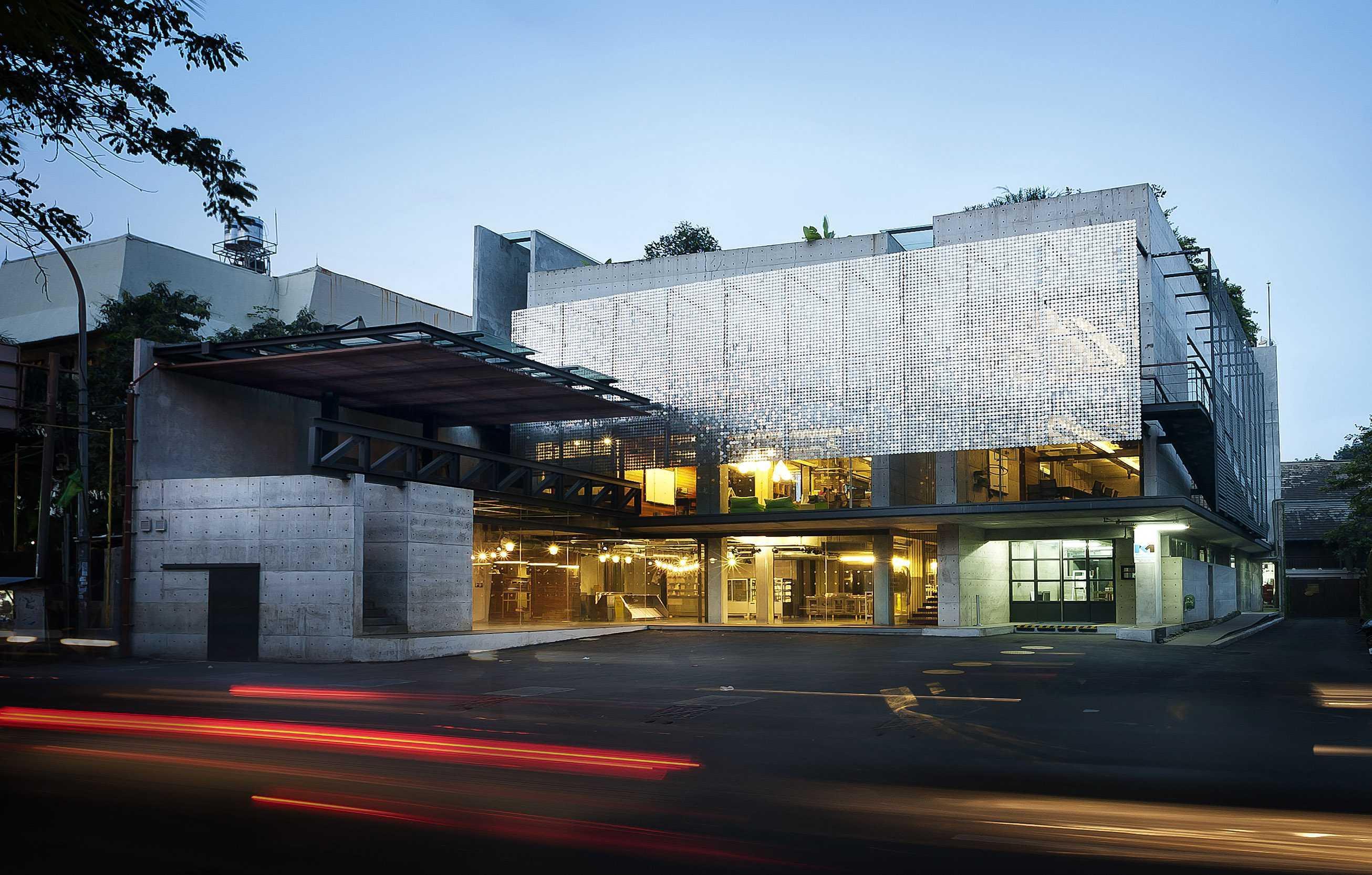 Chrystalline Artchitect Ampera Six Building Jakarta, Indonesia Jakarta, Indonesia Front View Modern  8446