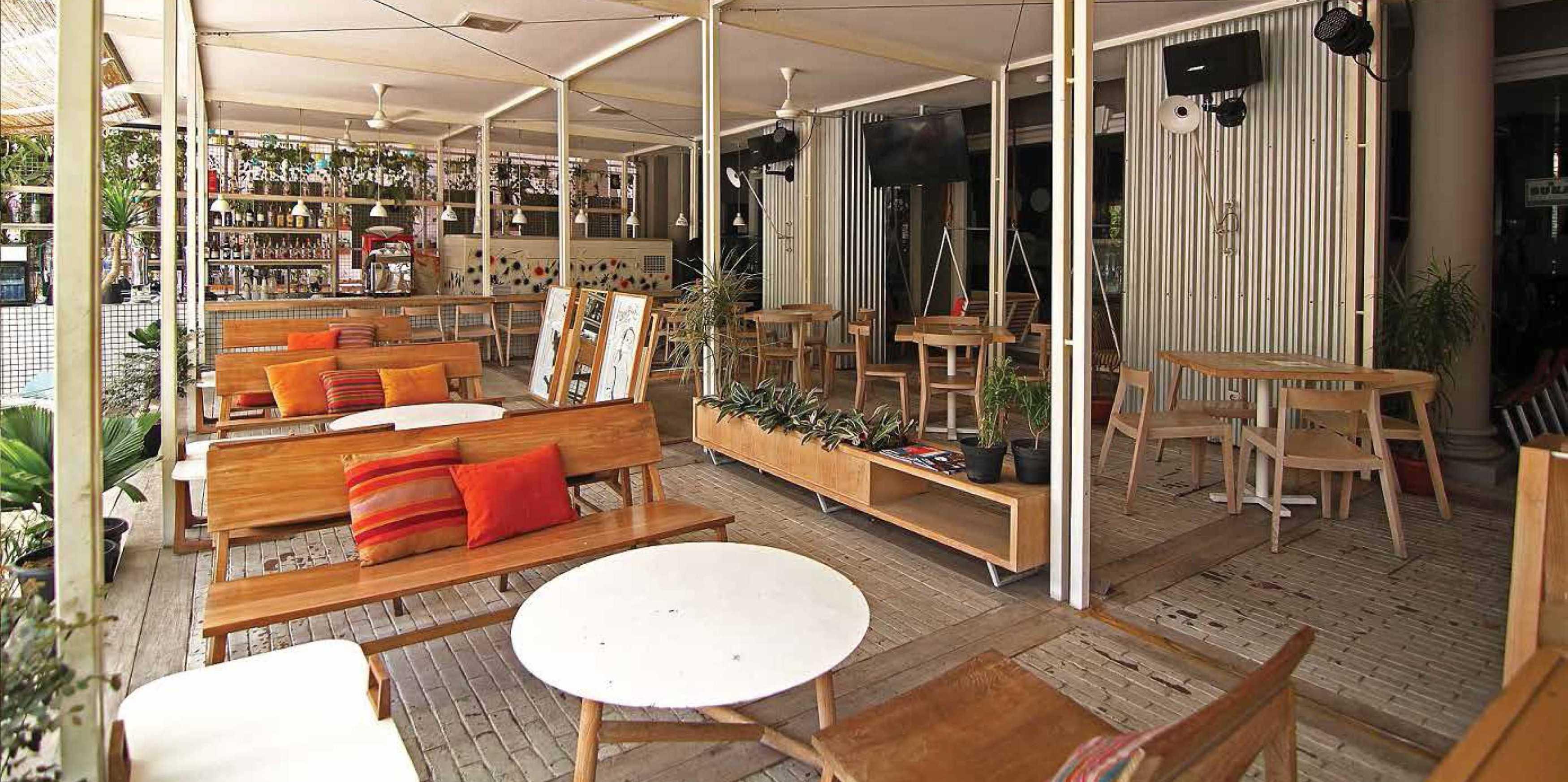 Platform Architects Replay Bistro At Pantai Indah Kapuk Jakarta, Indonesia Jakarta, Indonesia Seating Area Restaurant Contemporary  8475