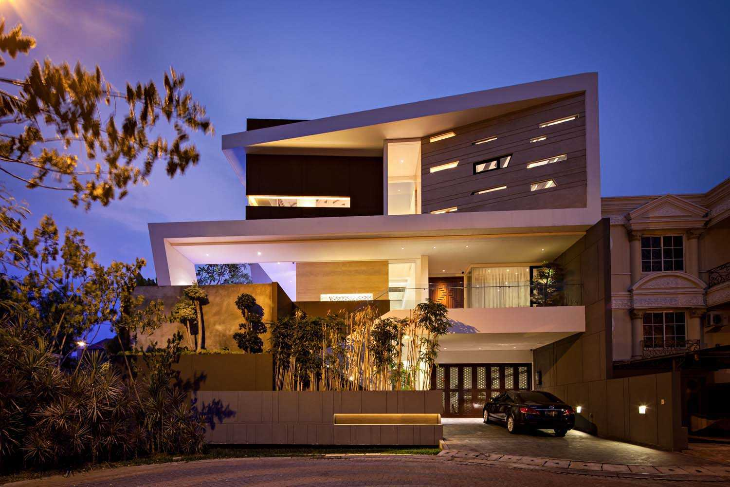 Dp+Hs Architects F+W House Jakarta, Indonesia Jakarta, Indonesia Front View Modern  8528