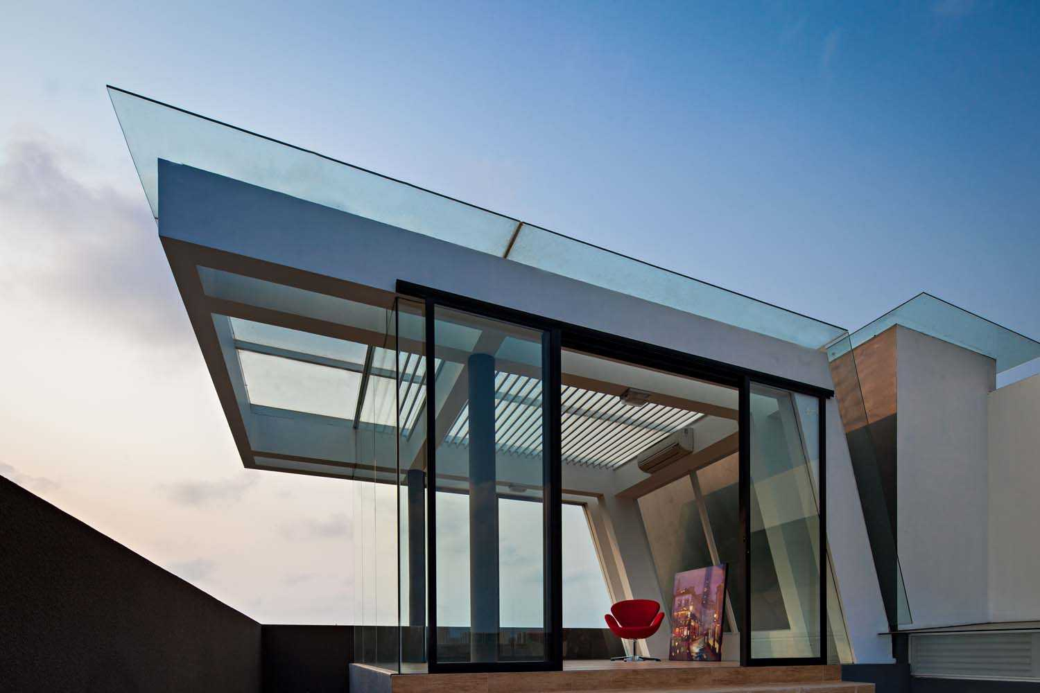 Dp+Hs Architects F+W House Jakarta, Indonesia Jakarta, Indonesia Rooftop Area Modern  8533