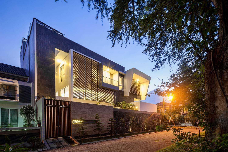Dp+Hs Architects B+M House Jakarta Jakarta Bm-House-09-Dphs-Architects Kontemporer  12015