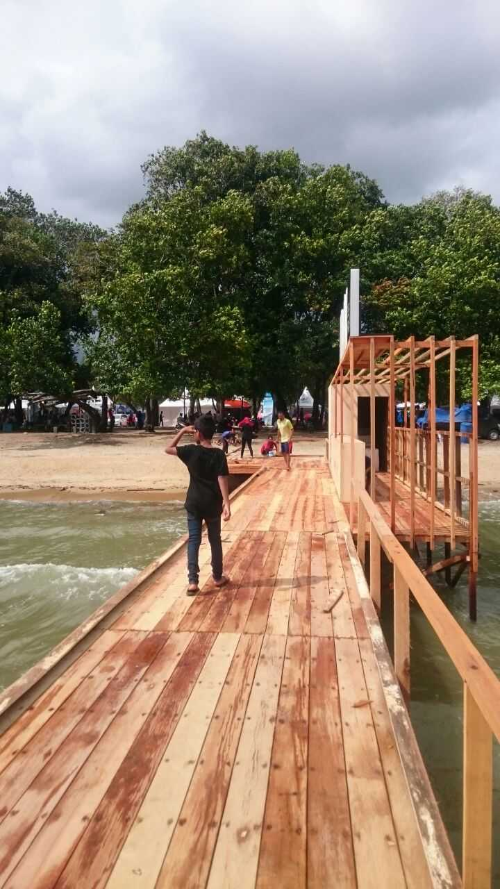Eki Achmad Rujai Misbar Bekraf Datok Island Datok Island Deck Tropis  16450