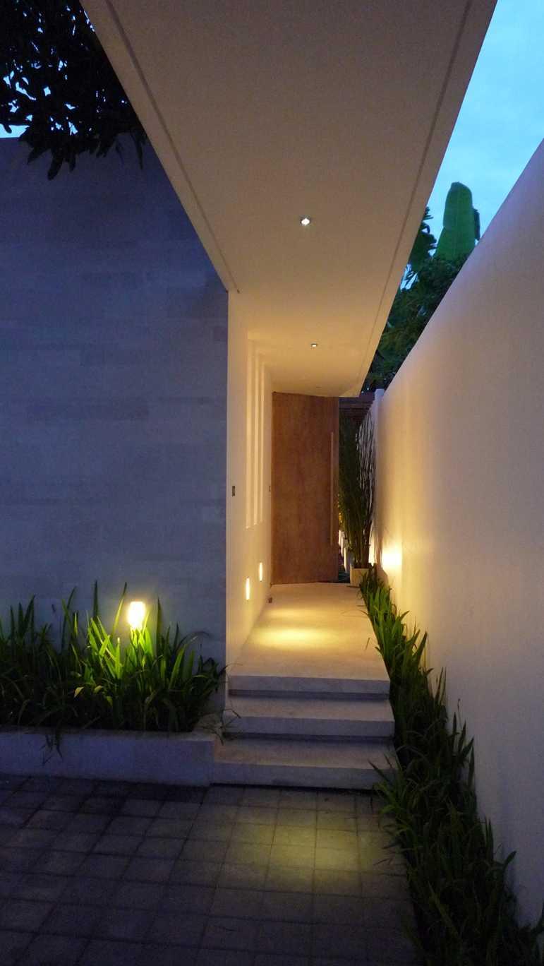 Og Architects Sekuta House Bali, Indonesia Bali, Indonesia Outdoor-Corridor   9212