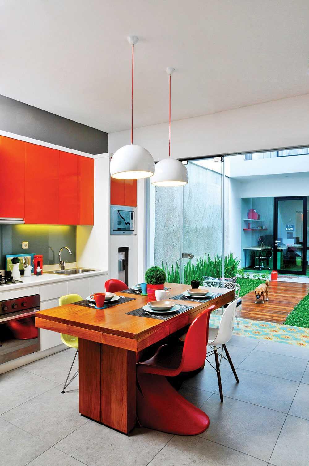 Vindo Design Urban Pop House Jakarta, Indonesia Jakarta, Indonesia Dining-Area Minimalis  9259