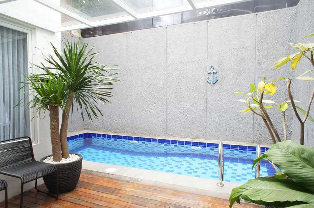Vindo Design Modern Urban South Jakarta South Jakarta Swimming Pool Modern  21163