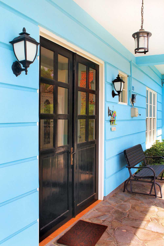 Vindo Design Rumah Paris Yogyakarta Yogyakarta Front Door Modern  21171