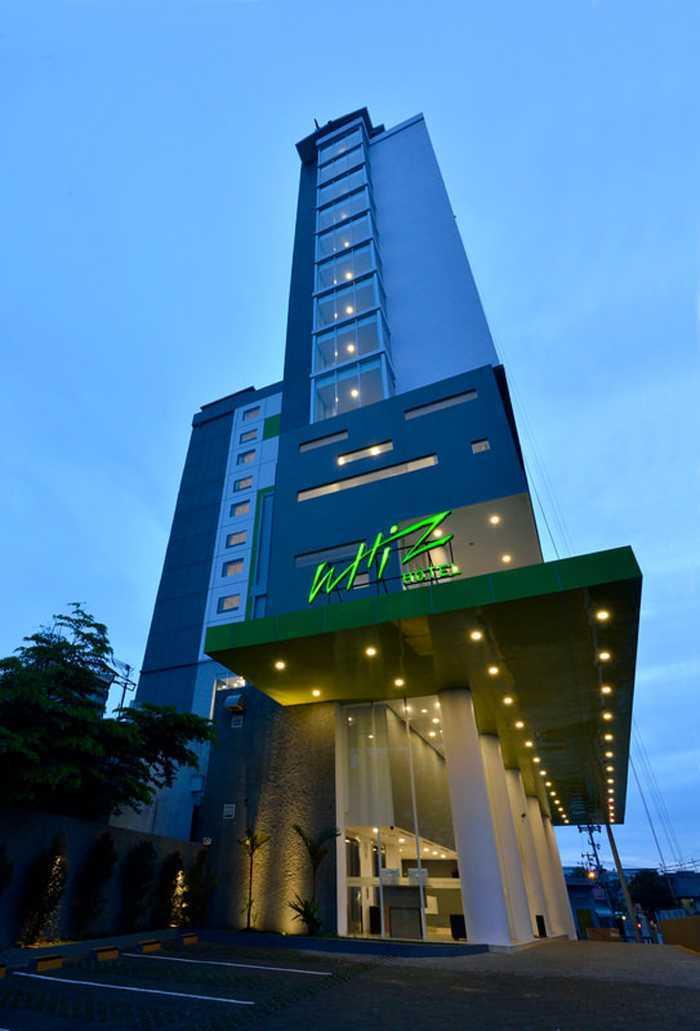 Pt. Atelier Una Indonesia Weston Hotel Pekanbaru Pekanbaru, Kota Pekanbaru, Riau, Indonesia Pekanbaru, Kota Pekanbaru, Riau, Indonesia Weston Hotel Pekanbaru - Facade Modern  45581