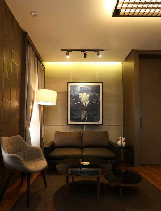Nimara Architects  Dpp Pdi Perjuangan Office Jakarta, Indonesia Jakarta, Indonesia Sitting Area   10871