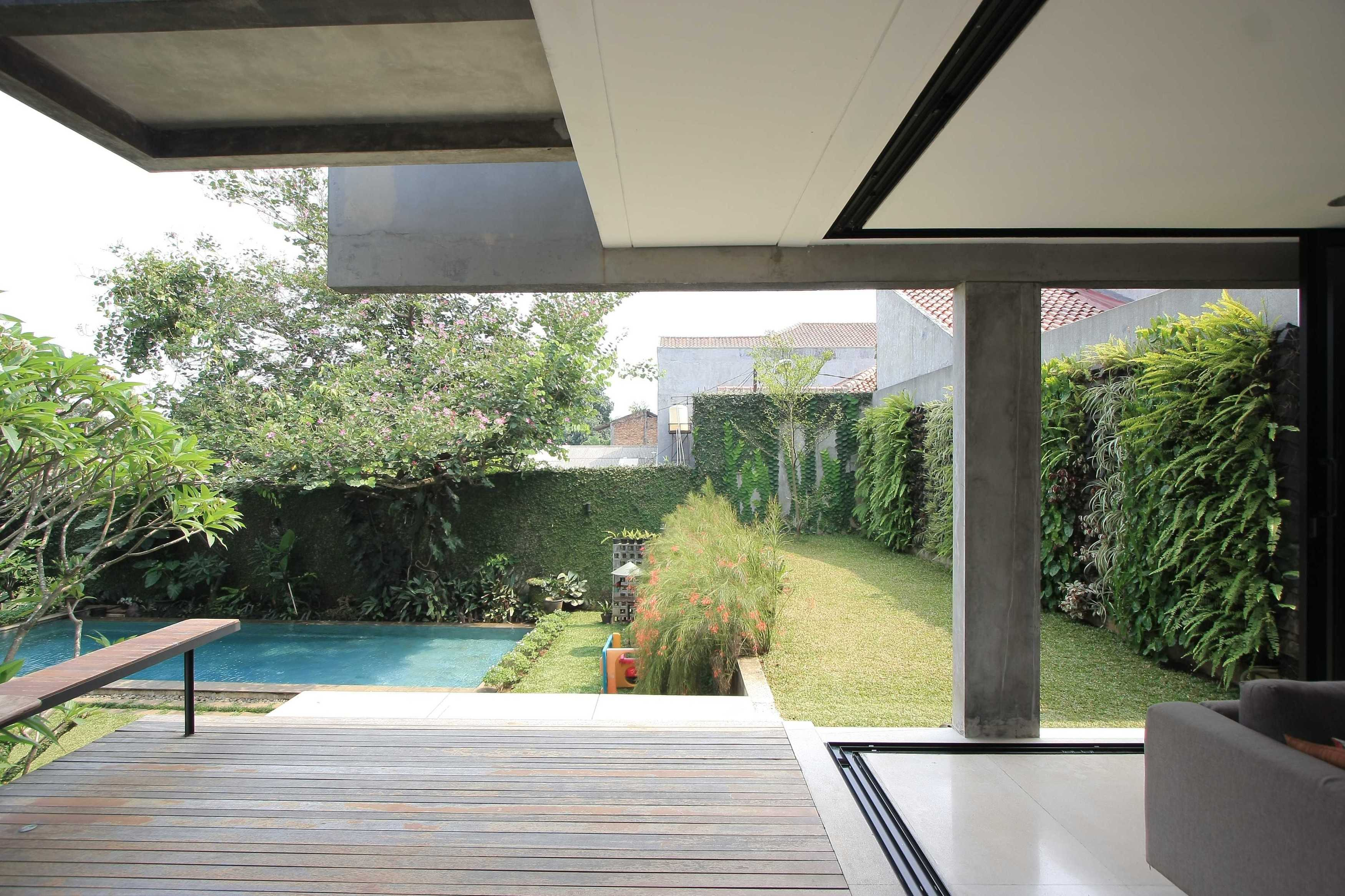 Sub Swadaya House Jakarta, Indonesia Jakarta, Indonesia Backyard And Swimming Pool   9342