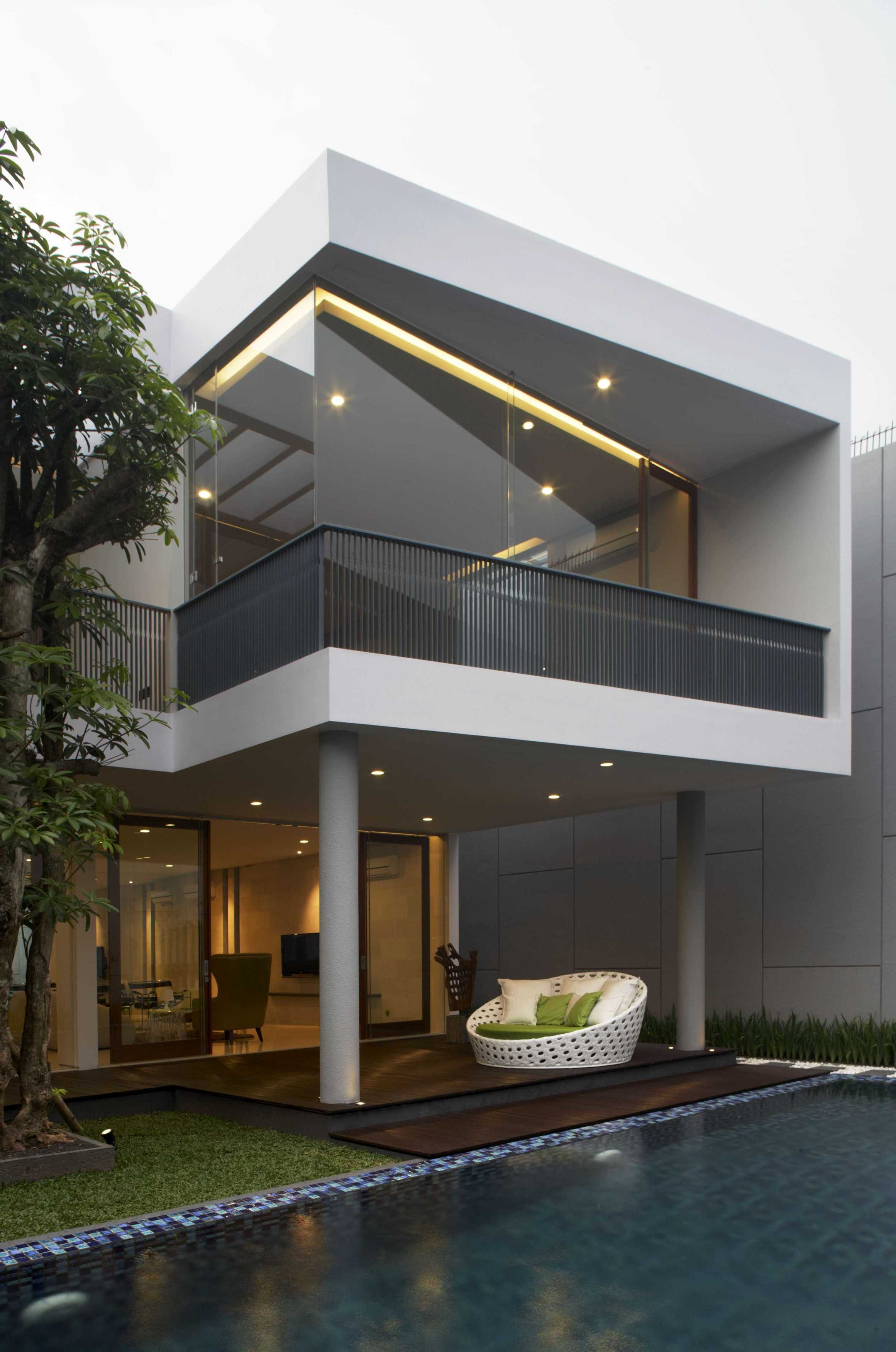 Das Quadrat Kawoeng House Surabaya, Indonesia Surabaya, Indonesia Back View Exterior Modern  9367