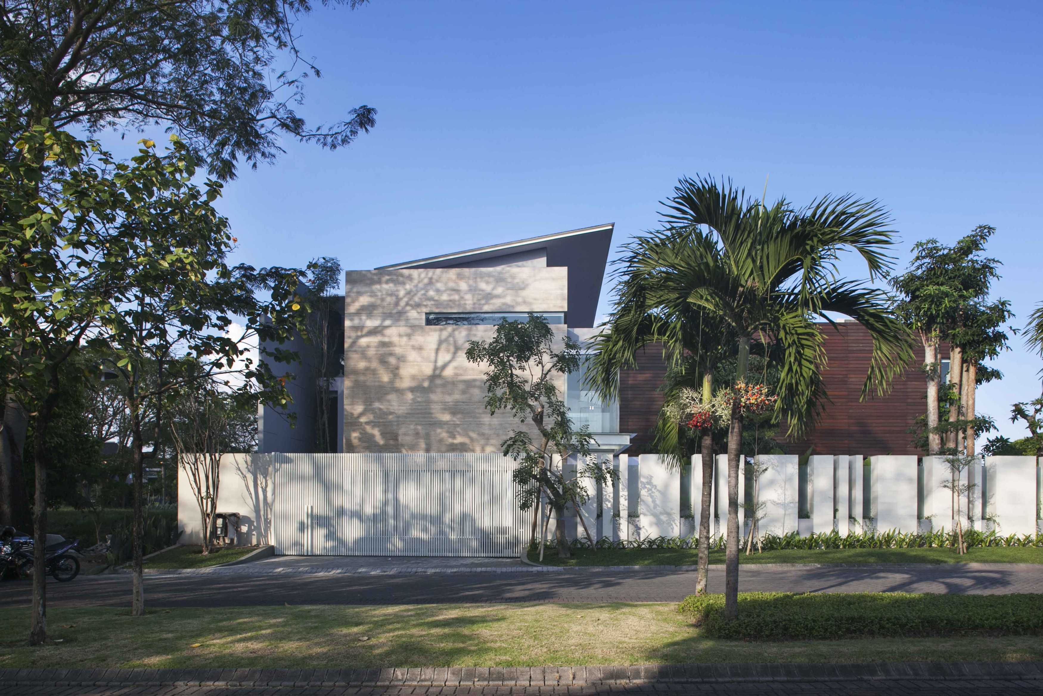 Das Quadrat Selat House Surabaya, Indonesia Surabaya, Indonesia Exterior View Modern  9370