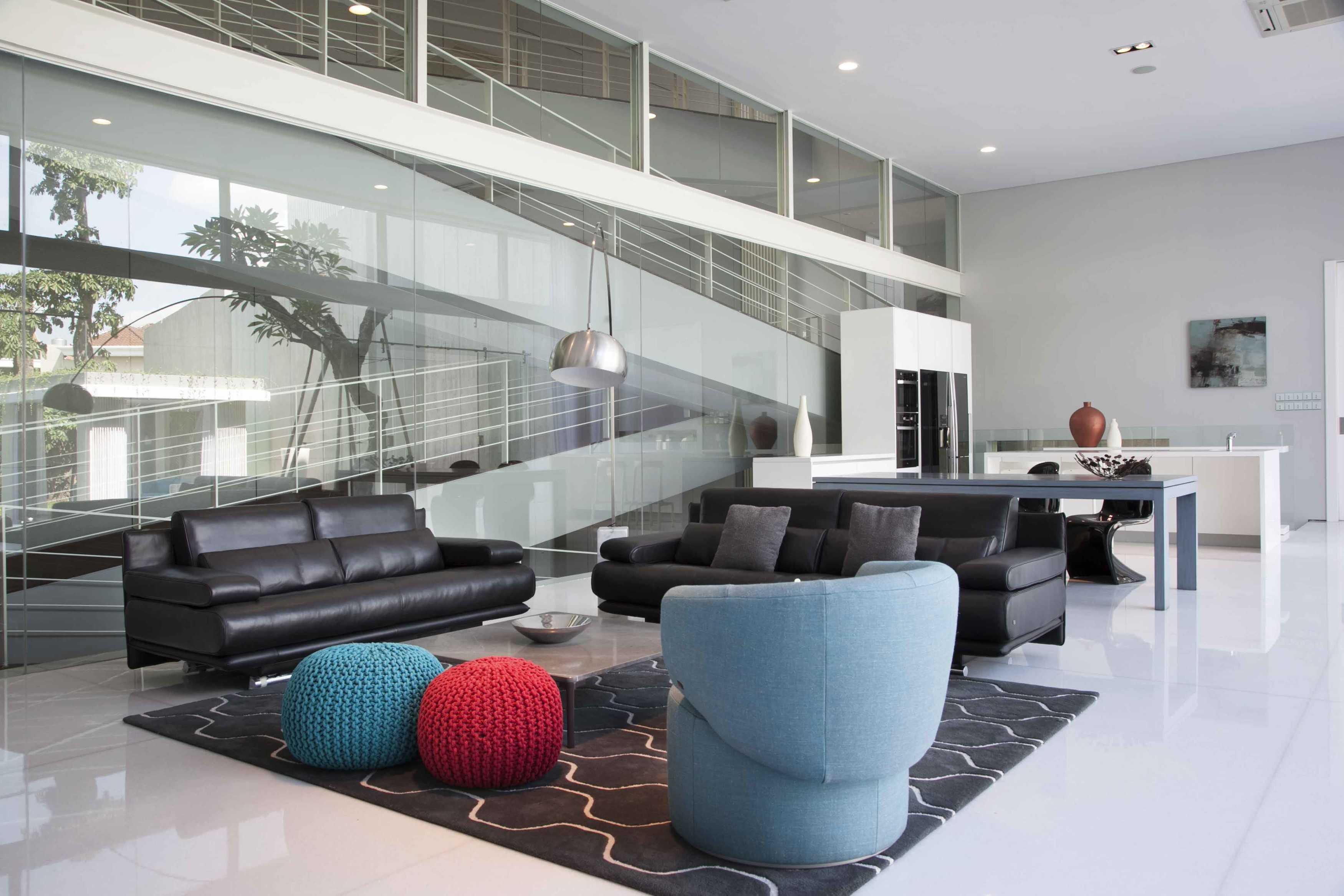 Das Quadrat Selat House Surabaya, Indonesia Surabaya, Indonesia Living Room   9372
