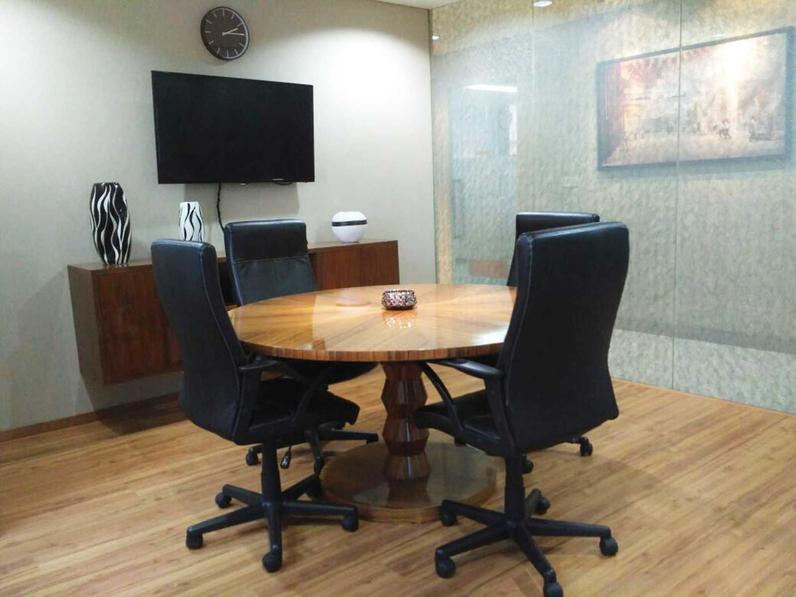 Ma Interior Design Sudirman Office Wisma Nugra Santana Wisma Nugra Santana Small Meeting Area Modern  10597