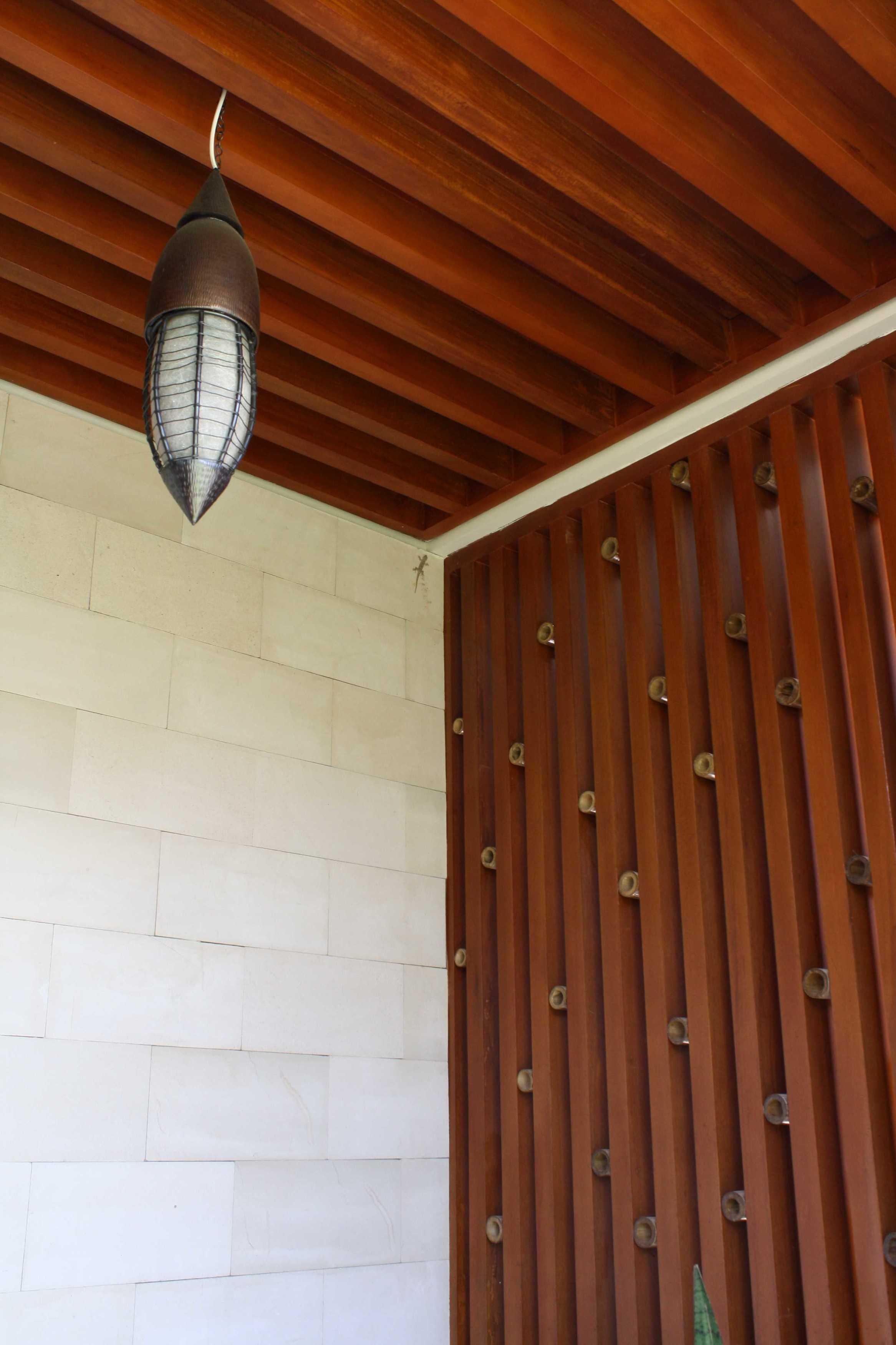 Jerry M. Febrino Ai House Jakarta, Indonesia Jakarta, Indonesia Ceiling Kontemporer  9545